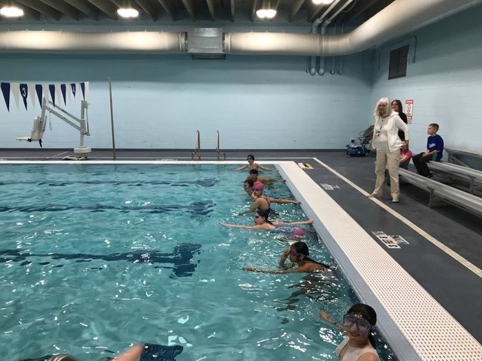 6th graders ready to start the swim leg